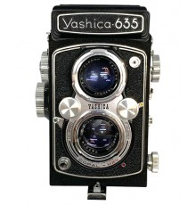 Cámara réflex Yashica 635